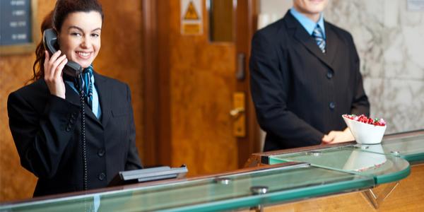 Location entretien de tenues de travail pour les métiers d'hôtellerie en vendée